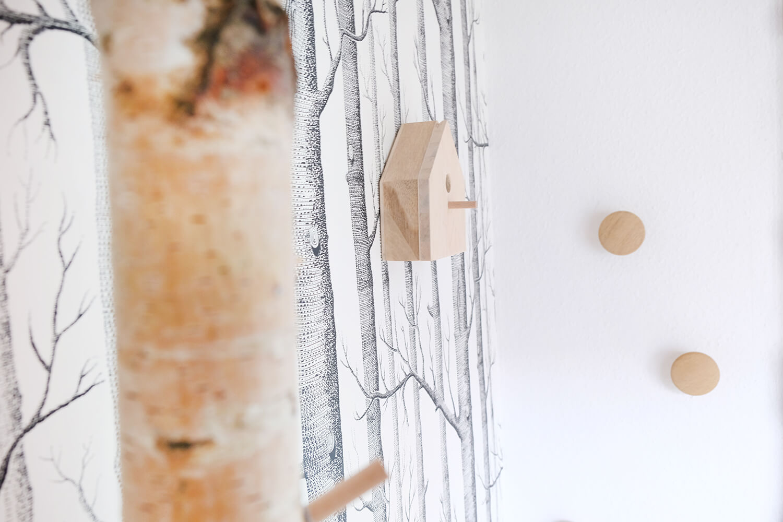 DIY Garderobe mit Brikenstämmen von GIngered Things
