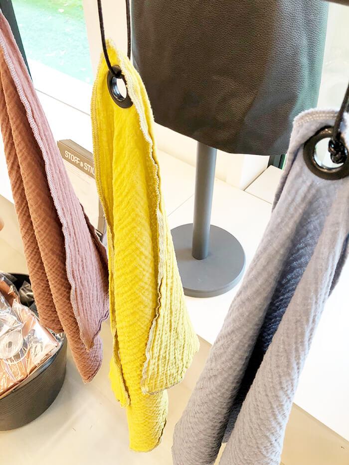 Tücher mit Vorhangringen bei Stoff & Stil