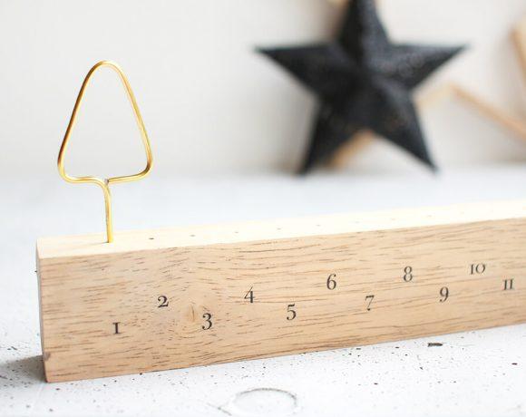 Schlichter Adventskalender im skandinavischen Stil aus Kantholz selbst basteln