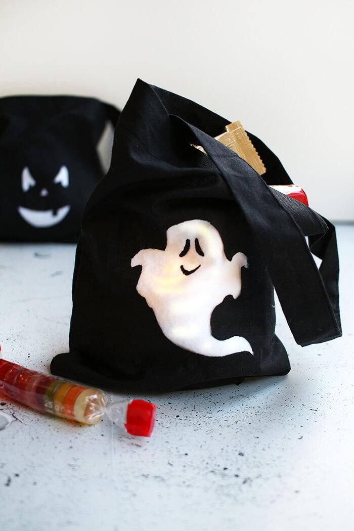 Tasche für die Süßigkeiten an Halloween basteln.