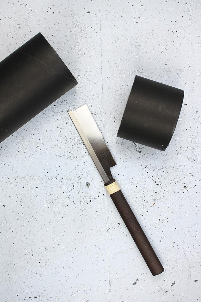 Rolle mit Säge oder Cutter zerteilen - DIY Dose selbst basteln