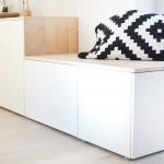 Aus einer Holzplatte und Ikea Besta wird ein DIY Sideboard für das Wohnzimmer gebaut. Gingered Things