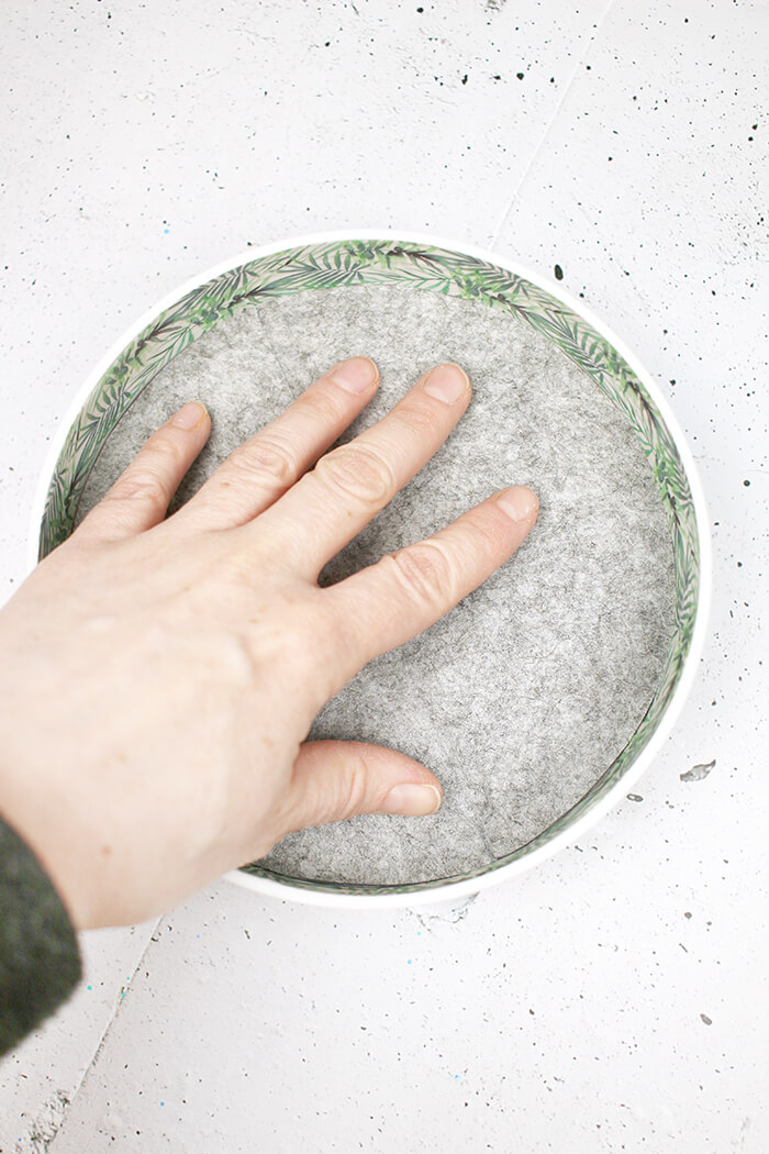 Innerer Boden. DIY Challenge, aus einer WC Flachrosette wird eine schicke Schale, Upcycling von Gingered Things