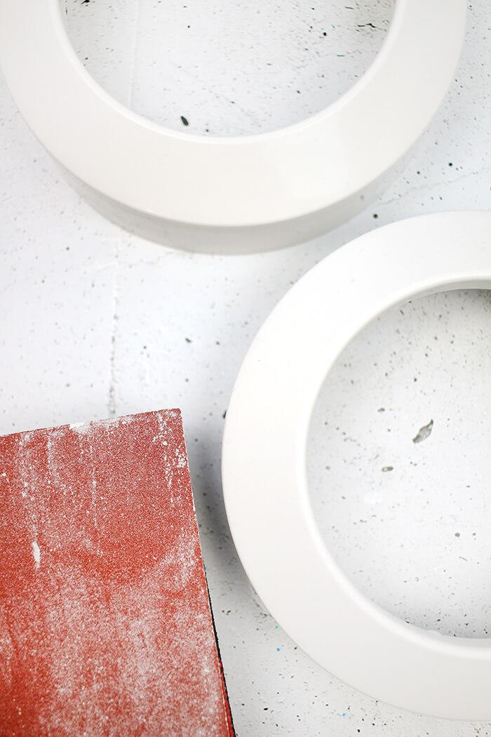 Schleifen für den edleren look. DIY Challenge, aus einer WC Flachrosette wird eine schicke Schale, Upcycling von Gingered Things