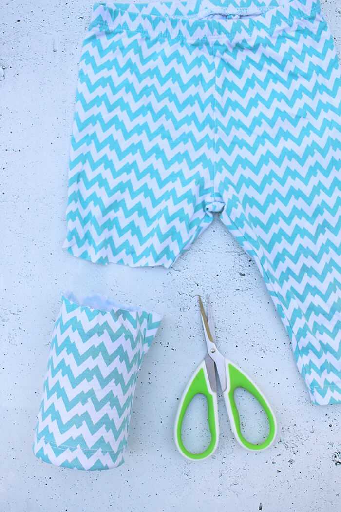 DIY Challenge - No Sew Projekte, oder wie aus einer Socke und einer Hose ein schicker Übertopf wird.