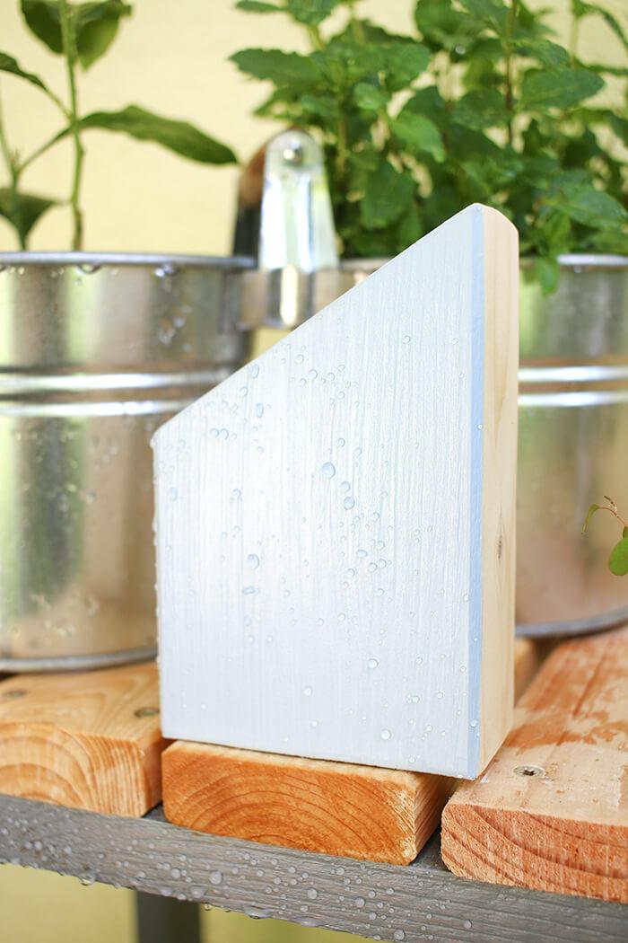 Dekohäuschen aus Holzresten für den Garten bauen