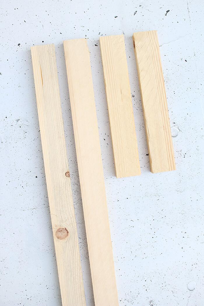 Kosolentisch aus Holzresten für den Garten bauen. Upcycling DIY von Gingered Things