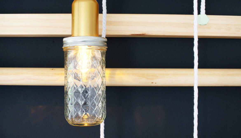 einrichten eine sprossenwand als deko im wohnzimmer einsetzen. Black Bedroom Furniture Sets. Home Design Ideas