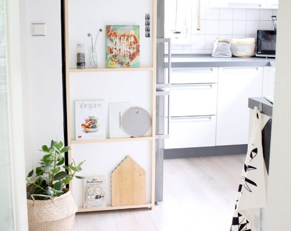 Flaches DIY Regal für de Kühlschrank