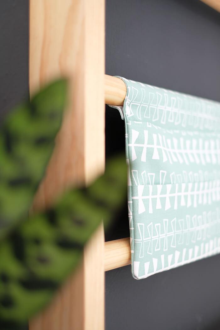 DIY Magazin-Halter für dei Sprossenwand