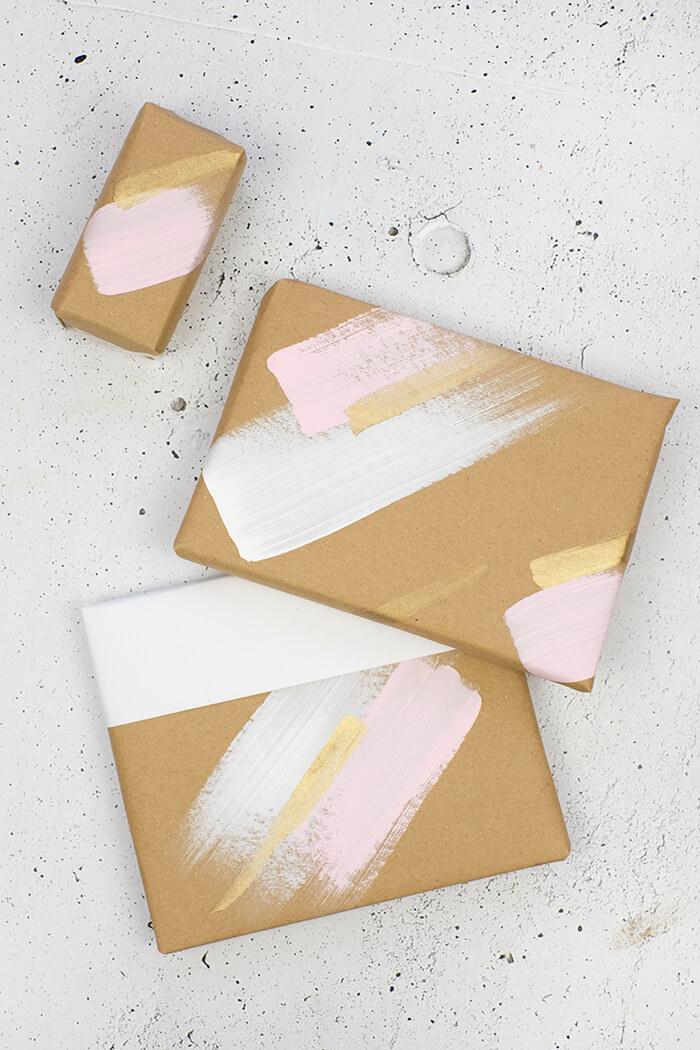 DIY Challenge - Geschenkpapier selbst machen - mit Pinsel und Farbe