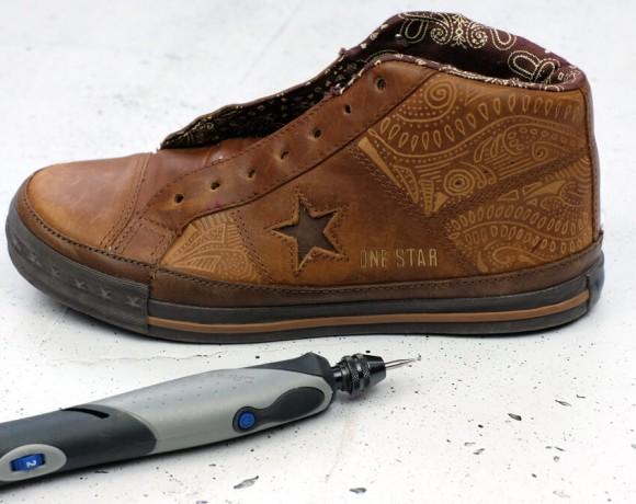 Schuhe mit dremel Stylo+ gravieren