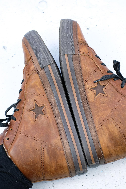 Innenseite der Schuhe mit dem Dremel Stylo+ gravieren