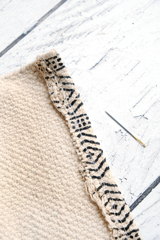 Teppich groß umnähen und mit Textilkleber fixieren