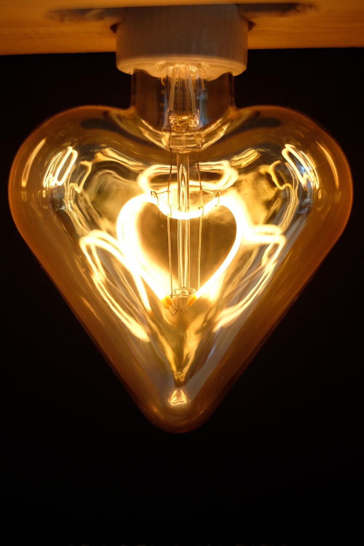LED Vintage Lampe in Herzform von signify