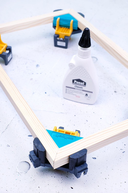 DIY Challenge - Vatertagsgeschenk mit Tillandsien im Holzrahmen - GIngered THings - Eckspanner