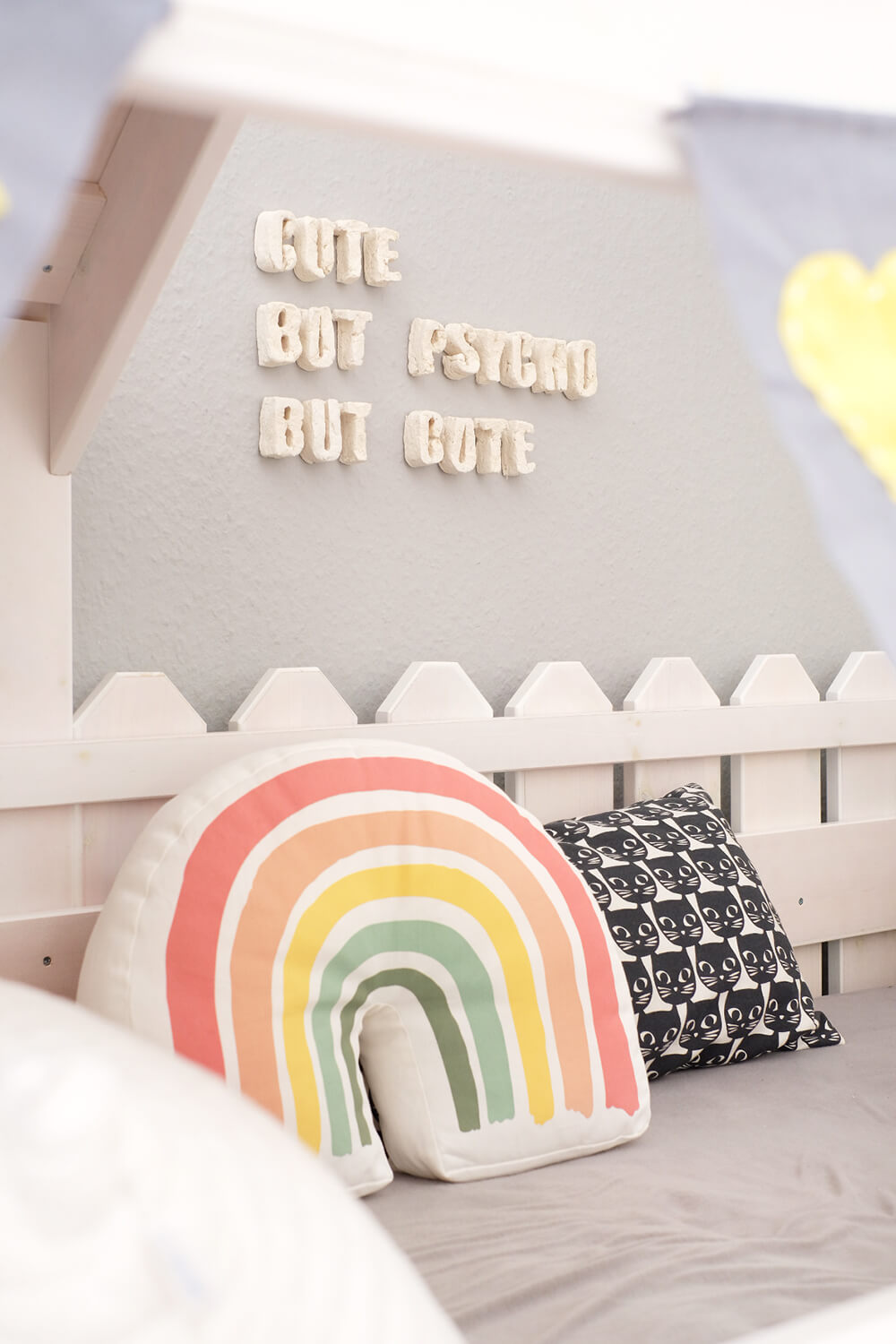 DIY Challenge - Ppapmaché an der Wand als Deko im Kinderzimmer - GIngered Things