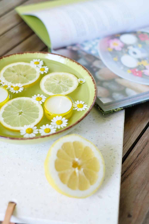 Schwimmkerzen - DIY sommerliche Partydeko mit Zitronen - Gingered Things