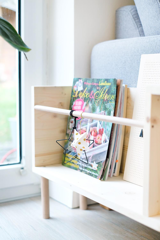 DIYnachten Beistelltisch aus Holz mit Magazinhalter und Ablage - Gingered Things